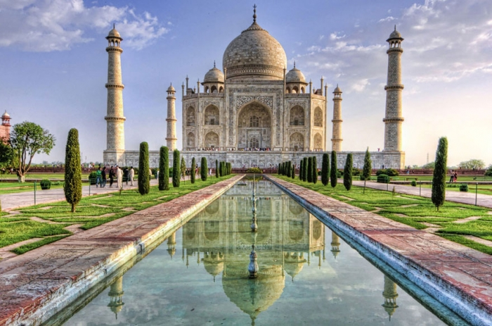 Aladdin – Taj Mahal, Agra, India real
