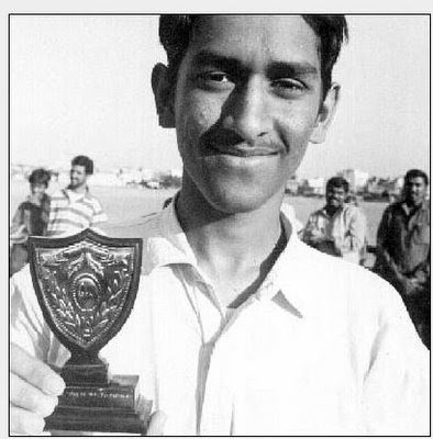Dhoni_young