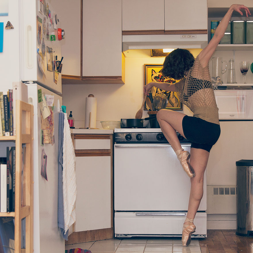 Home-Stage-I-photograph-dancers-in-their-own-homes cooking