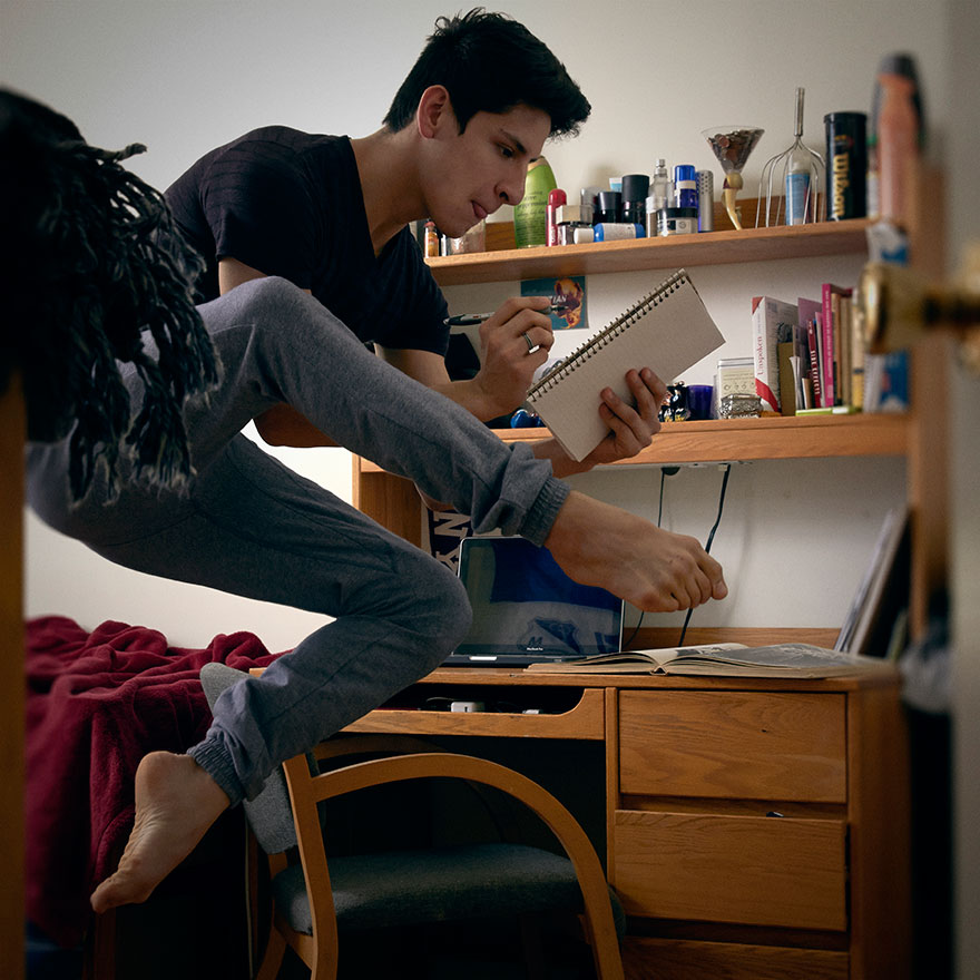 Home-Stage-I-photograph-dancers-in-their-own-homes taking notes