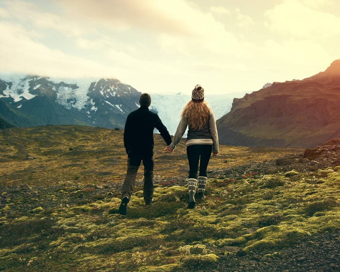 Jeremy and Rachelle got married in iceland