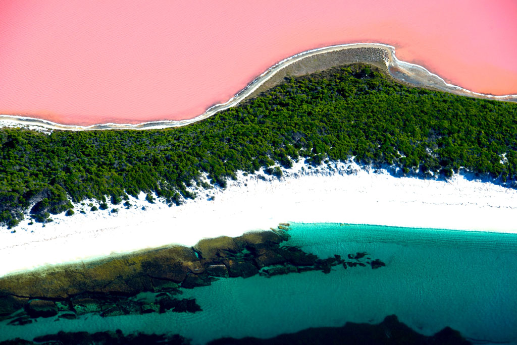 Lake-Hillier-–-Mysterious-Pink-Lake-in-Australia