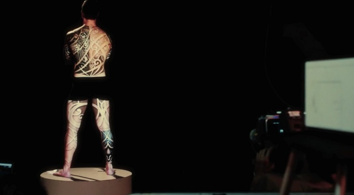 Live Projection Mapping - behind