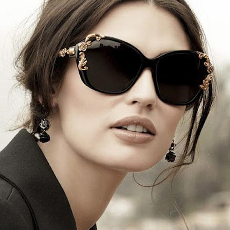 Oversized-Sunglasses-Black-Frame