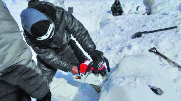 Soldier Buried Under Snow for 6 Days Rescued Alive (1)