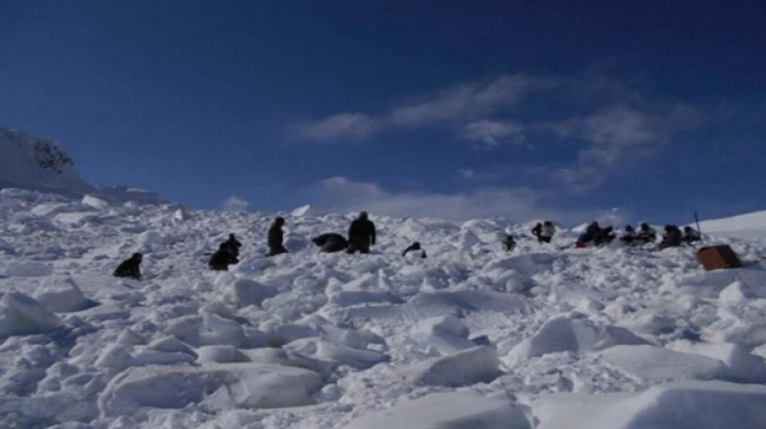 Soldier Buried Under Snow for 6 Days Rescued Alive (2)