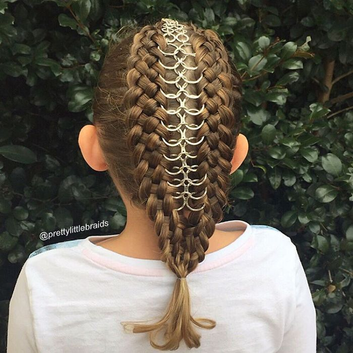Unbelievably Intricate Hairstyles (12)