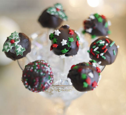 christmas brownie lollipops