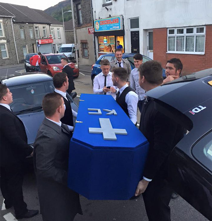 fake-funeral-friend-keiran-coffin