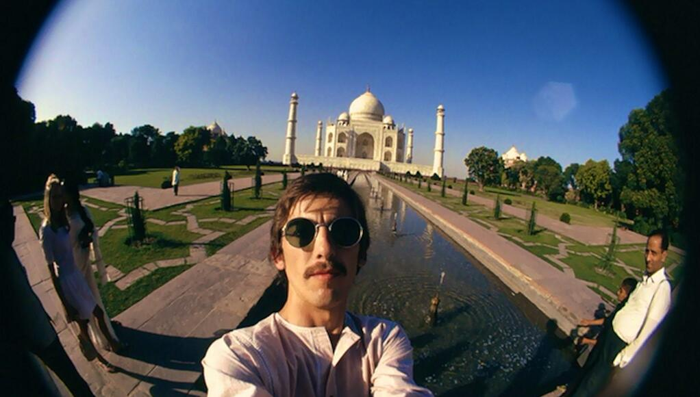 george harrison at taj mahal