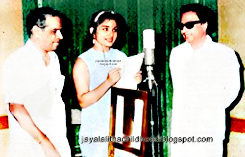 jayalalitha-childhood--with-mgr-first-song