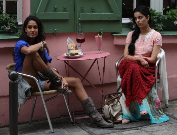 kangana-ranaut-and-lisa-haydon-in-queen