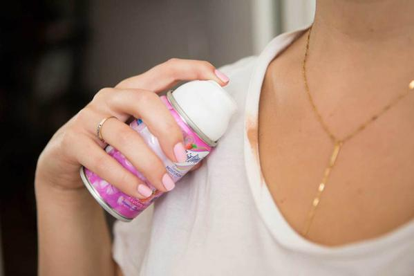 remove foundation stains with shaving cream
