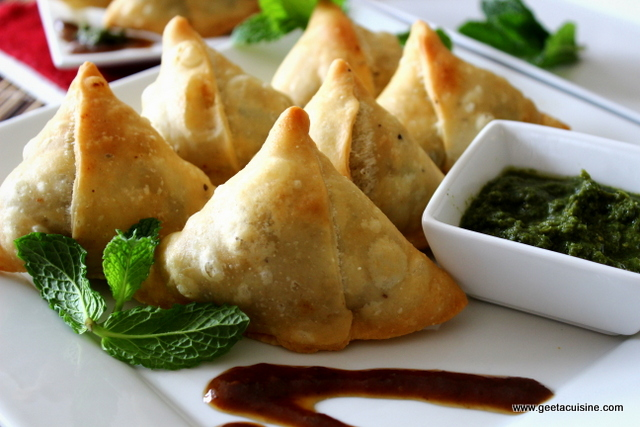 samosa and chutney