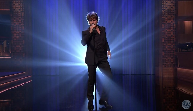 tom cruise lip syncing to cant feel my face on jimmy fallon's show