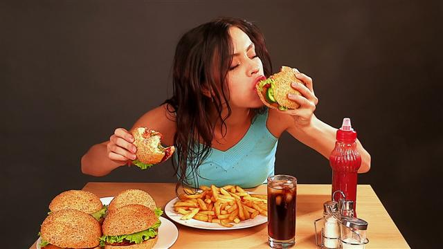 9. You know what is emotional eating and you know it is not healthy. So, to feel good you must hit the gym, see new boys, feel great about yourself and work on a butt everyone would die to see.