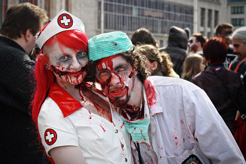 zombie-doctor-and-nurse-costume
